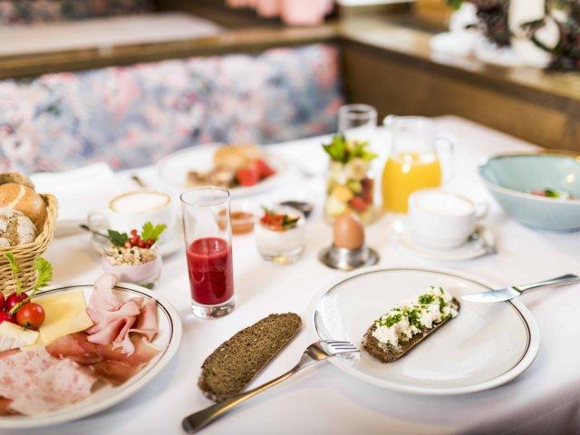 fruehstueck_regional_gourmethotel.jpg